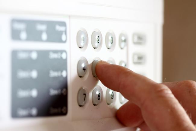 Motivos por los que contratar una alarma en España - Blog Prosegur