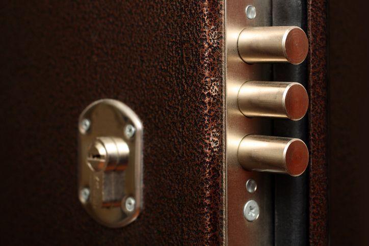 Descubre cómo funciona el mecanismo de una puerta blindada - Blog Prosegur.