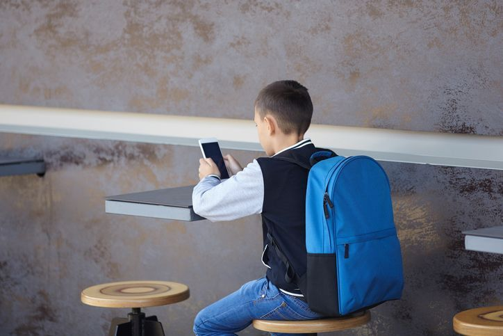 A qué edad debería tener un niño su primer móvil o su primer smartphone - Blog Prosegur