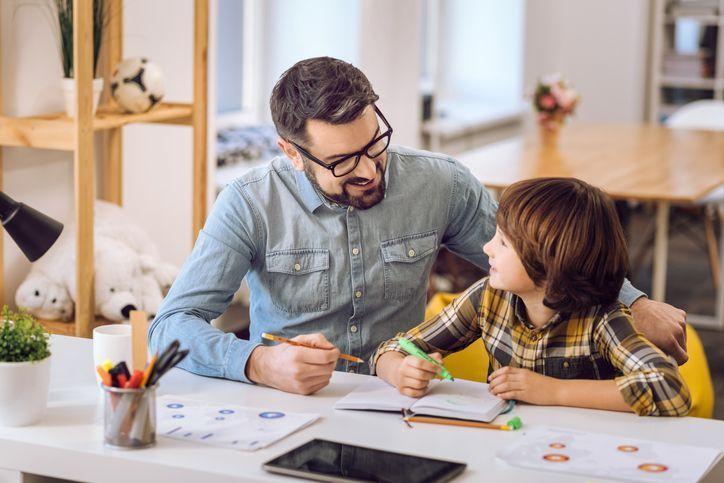 Complementa la educación de tus hijos gracias al control de accesos - Blog Prosegur