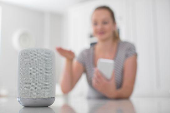ventajas y desventajas de comprar un altavoz inteligente