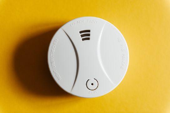 Detectores antisiniestro: , detector de humo, gas, fuego e inundación